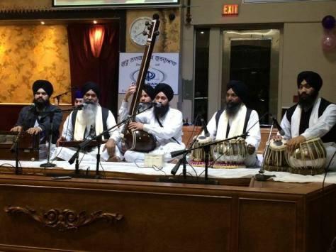 Dr.Gurinder Singh Ji & Jatha Ji singing Keertan with Bhai Gurmeet Singh Ji Shant & Jatha Ji (Canada 2013)